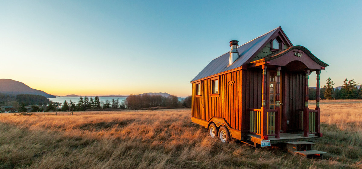 cropped-beautiful-tiny-house.jpg